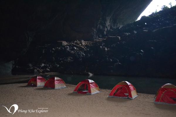 Hang En Cave Explorer