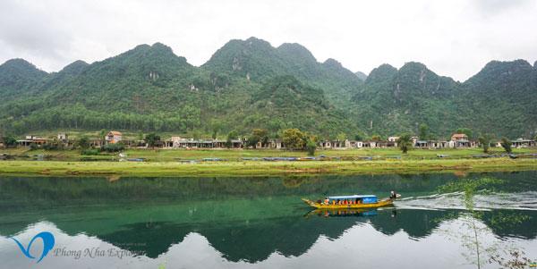 Song Son River - Phong Nha Cave