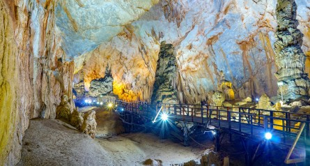 Paradise Cave And Mooc Spring Tour