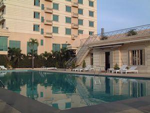 http://phongnhaexplorer.com/wp-content/uploads/Cosevco_Nhat_Le_Hotel-10.jpg