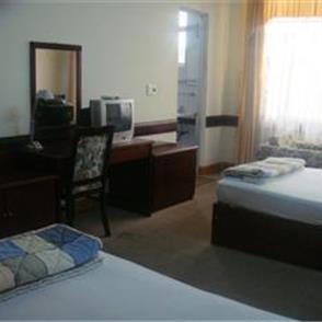 http://phongnhaexplorer.com/wp-content/uploads/Cosevco_Nhat_Le_Hotel-3.jpg