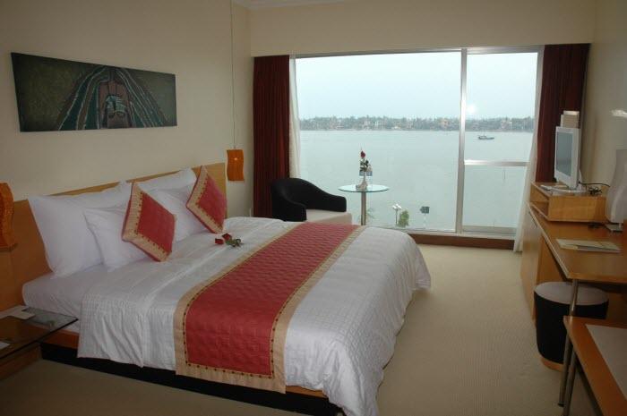 http://phongnhaexplorer.com/wp-content/uploads/Sai-Gon-Quang-Binh-Hotel-4-300x199.jpg