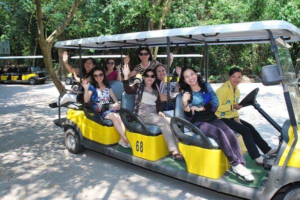 http://phongnhaexplorer.com/wp-content/uploads/Tour-Dong-Thien-Duong-7000m-5-300x200.jpg