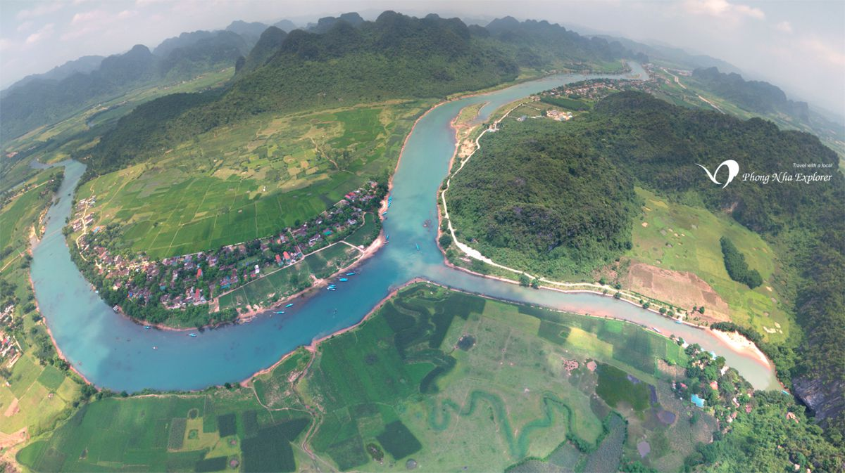 Flycam Ngã 3 Sông Son vào hang Động Phong Nha