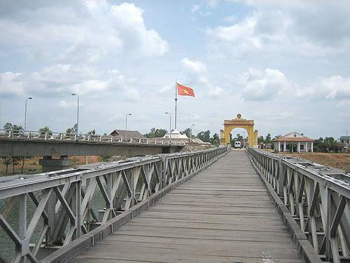 http://phongnhaexplorer.com/wp-content/uploads/cau-hien-luong-300x225.jpg