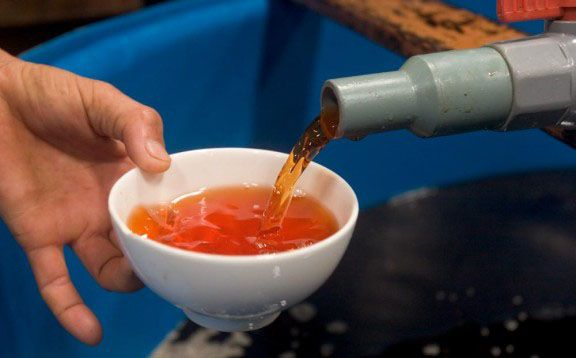 Nước mắm Bảo Ninh làm bằng phương pháp truyền thồng