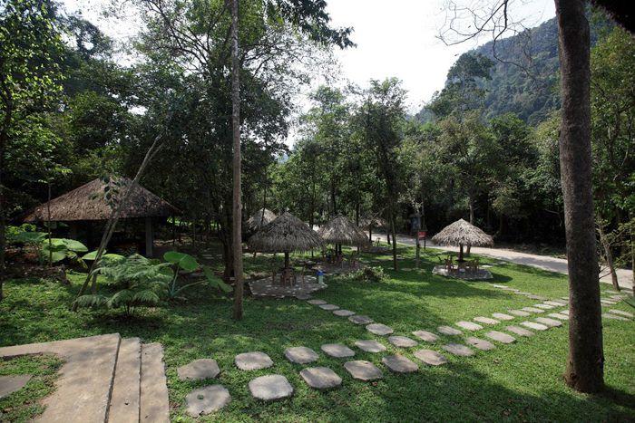 http://phongnhaexplorer.com/wp-content/uploads/tour-dong-thien-duong-vung-chua-02-300x200.jpg