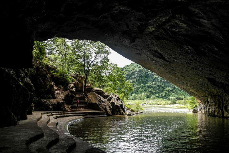http://phongnhaexplorer.com/wp-content/uploads/tour-du-lich-quang-binh-dong-phong-nha-a-300x199.jpg